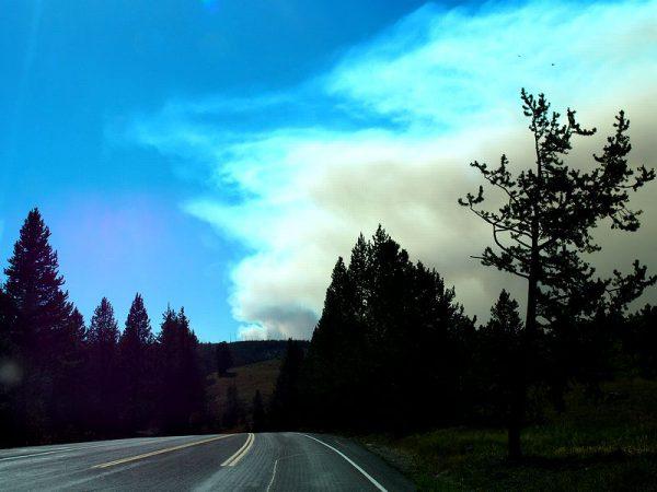 イエローストーンの山火事(2016年8月22日撮影)
