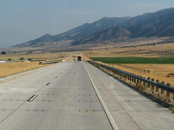 ユタ州からアイダホ州に入る